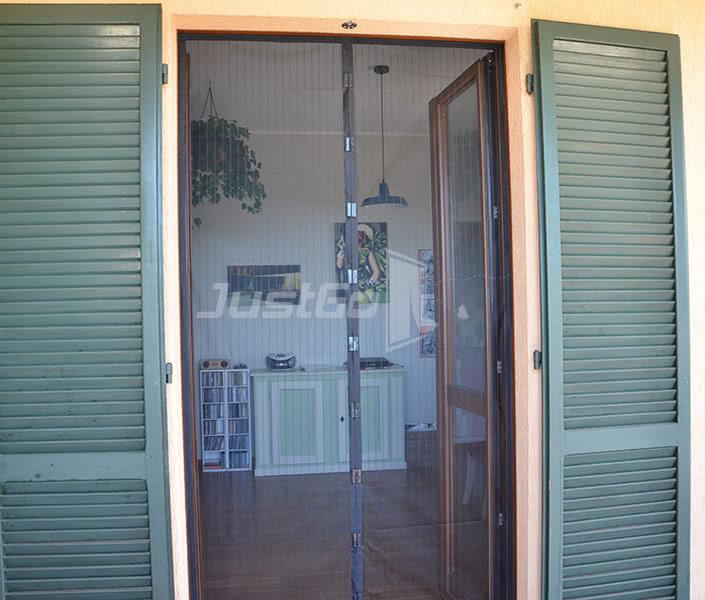 Zanzariere magnetiche la zanzariera con calamita che - Amazon zanzariere per finestre ...